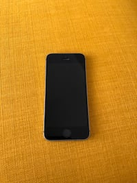 black iPhone 7 with case Clarence-Rockland