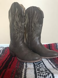 Womens cowboy boots West Elgin, N0L