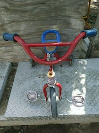 toddler's red and blue trike Bakersfield, 93307