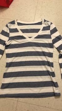 white and blue stripes v-neck top