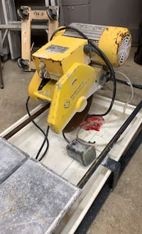 Qep 2hp wet tile saw needs a new blade works great 150 it's a 10inch blade Hamilton