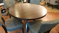 Round dining table and chairs Montréal, H1G 2T6