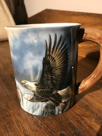 Brand new eagle in flight sculpted collectable coffee mug cup 722 km