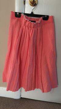 Elie Tahari pink skirt brand new never worn tags attached  514 km