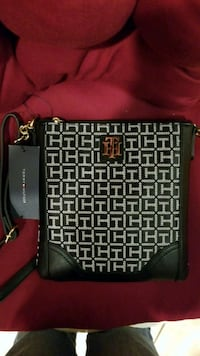 Tommy Hilfiger Purse Owings Mills