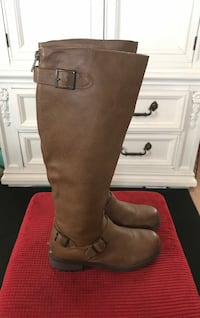 pair of brown leather knee-high boots Fort Atkinson, 53538