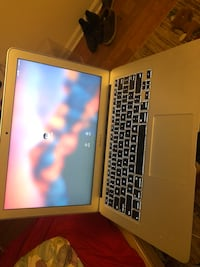Apple Macbook Air 2017 128 gb  30 km