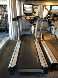True CS800 Commercial Treadmill  with Tvs have 15 Pittsburgh, 15232