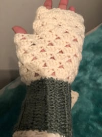 Hand made gloves 10$ each Markham, L3S 3Y9