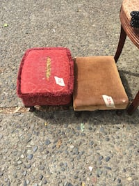 two red, and brown ottoman 邓肯, V9L