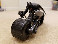 DC Comic Superhero Batman Dark Knight Batcycle and Action Figure Springfield