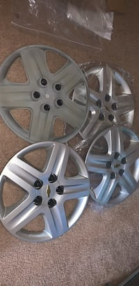 Gray 5-spoke vehicle wheel Oxon Hill, 20745