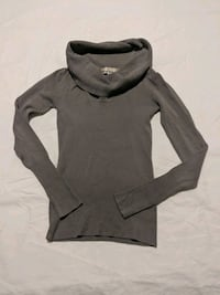 Grey scoop neck long sleeve sweater size small Calgary, T2E 0B4