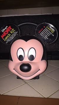 Disney Mickey lunch kit new 2291 mi