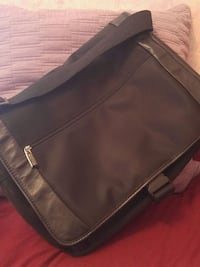 Kenneth cole laptop bag. Niagara Falls
