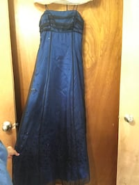 Blue Gown with Lace (size 5/6) Fayetteville, 28311
