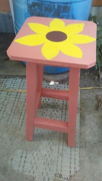 pink and yellow wooden flower print seat Los Fresnos, 78566