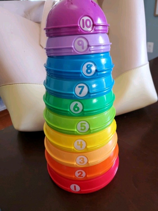 stacking toy -excellent condition  86499ba1-3107-4a0c-86b0-5f13ca65f812