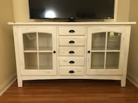Distressed White Cabinet / TV Stand San Fernando, 91344
