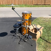 Drum sets (assorted) + accessories