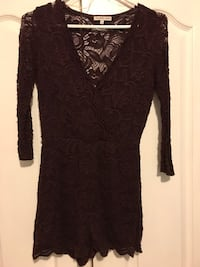 Burgundy lace romper size small  Toronto, M6N 3M7