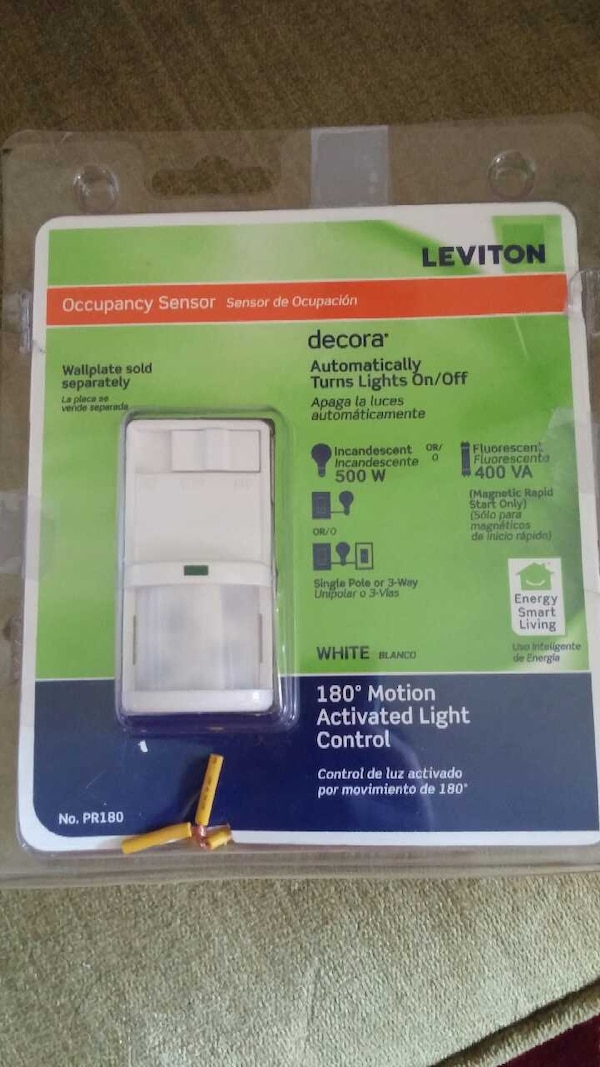 Leviton 180° Motion Light Control WITH Wallplate