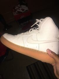 Sneakers 9.5 (negotiable) New York, 10456