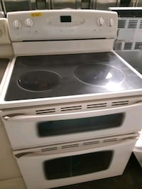 MAYTAG DOUBLE OVEN ELECTRIC STOVE WORKING PERFECTLY  Baltimore, 21201