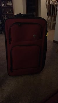 Suitcase like new, used once that's because I had to Syracuse, 13206