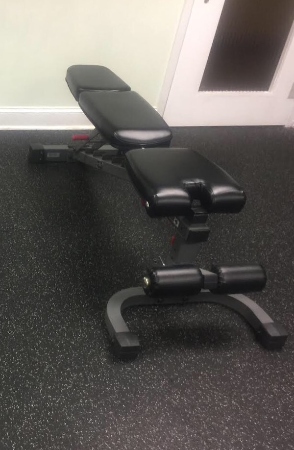Weight Bench WITH WHEELS