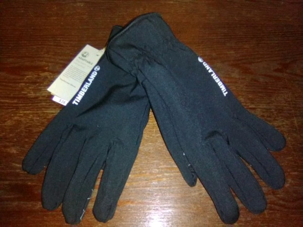 Brand new timberland adaptable touch screen gloves