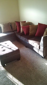 Gently used sectional w/ottoman  Kent, 98032