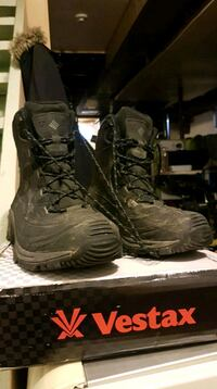 black Vestax combat boots with box Winnipeg, R3G 2M2