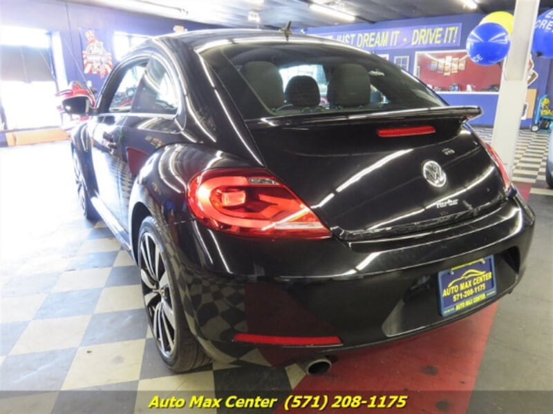 2012 Volkswagen Beetle Turbo 2