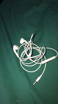 white Apple EarPods with charger Halifax, B2Z 1M6