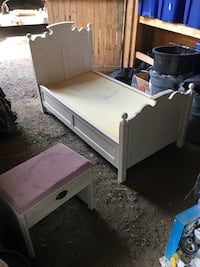 white wooden 2-drawer nightstand Langley, V2Y 2H2