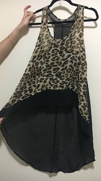 Black and brown leopard print top St Catharines, L2M 7P9