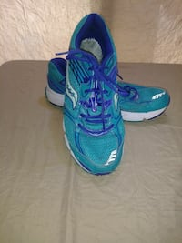 Womens Saucony Grid Liberate Running Shoes  Sz 11