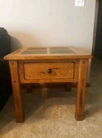 2 end tables Ankeny, 50023