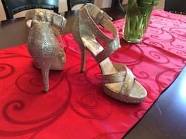 Michael Kors women shoes .. new never worn ! Size 6 ..   no box