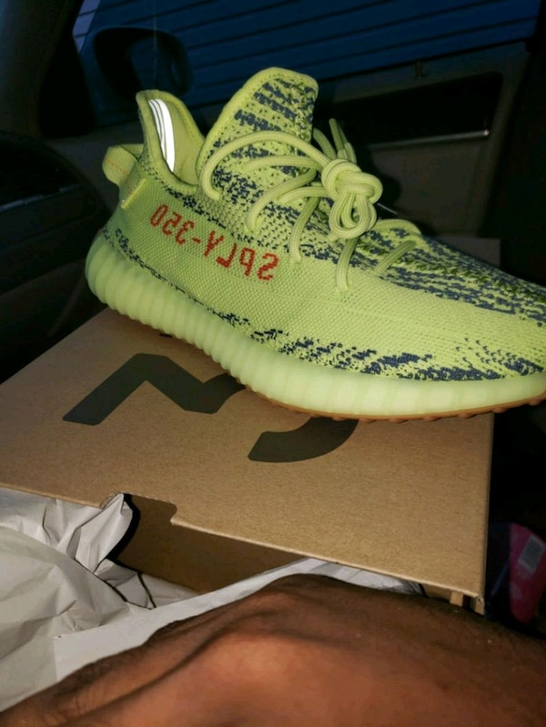 best service 7a230 a74bf Yeezy Boost 350 V2 semi frozen yellow