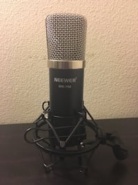 Studio Microphone Neewer (used once) does not come with wire Eastvale, 92880
