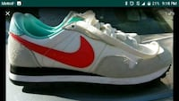 white and red Nike low-top sneaker El Monte, 91732