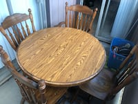 Solid oak wood table and 4 solid oak chairs Longview, 75605