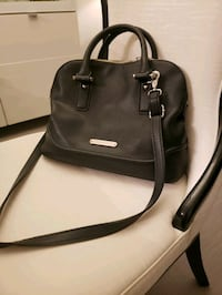 black leather 2-way bag Coquitlam, V3B 2P8