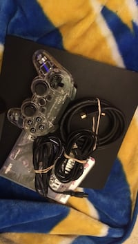 Ps3 console with black ops and 1 controller lights up blue - negotiable