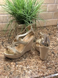 Shiney Gold size 7 wedges