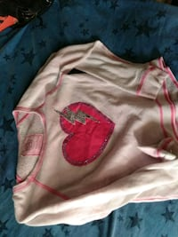 pink and white crew-neck shirt Kennewick, 99336