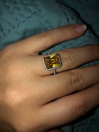 Yellow ring size 6