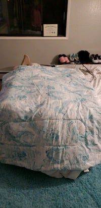 white and blue floral bed sheet Anchorage, 99501